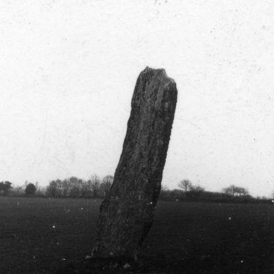 Menhir de Kerbiguet Lann
