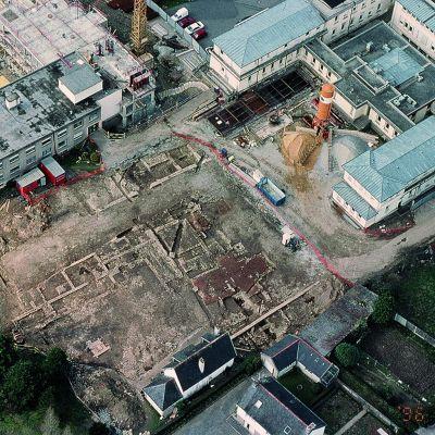 Carhaix, Domus de l'hopital. vue aérienne du chantier de fouille © G. Le Cloirec