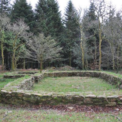 Berrien, Pont-Callec. vue générale du village. Cliché OTPRM