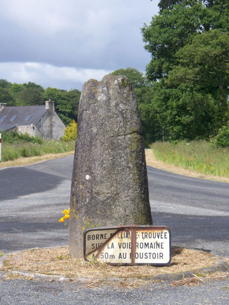 Borne romaine du Moustoir, Plelauff